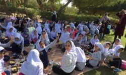 دانش آموزان ابتدایی در اردوی تفریحی - آموزشی پارک ساحلی ممزر