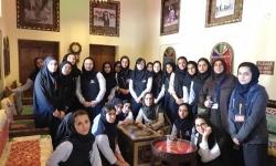 بازدید دانش آموزان پایه دهم از منطقه تاریخی بستکیه