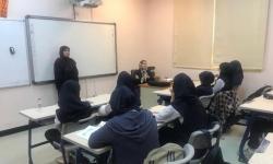 سخنرانى خانم دكتر امانى محقق دانشگاه شيخ زايد در امارات